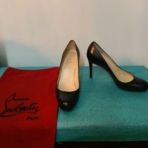 Christian Louboutin Simple Round Toe Pumps